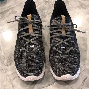 Nike Air Max!! Like new!!